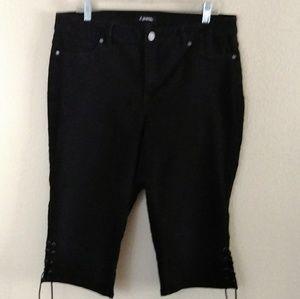 d jeans | Black Lace up Capri's